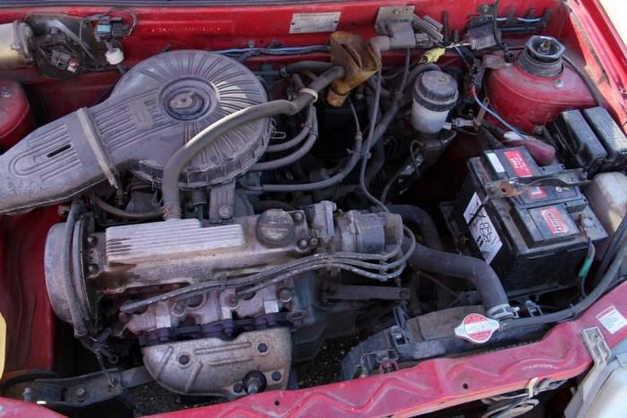 Az egyliteres motor zajosan szolgál, de nem kér sokat, se javítást, se üzemanyagot
