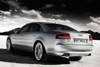 Dobhártyaszaggató Audi S8