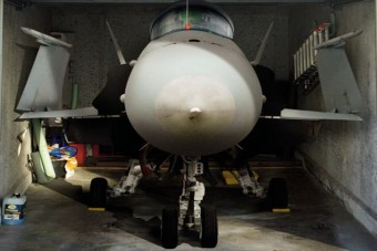 Szeretnél vadászgépet a garázsba?