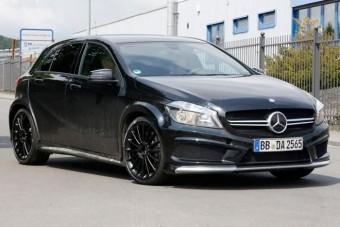 Extrém sportkompakttal készül a Mercedes