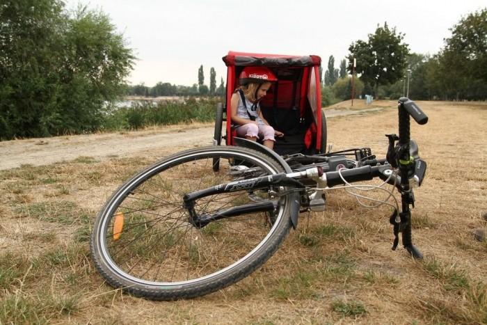 Ha a bringa felborul, az utánfutó akkor is talpon marad