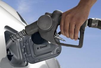 Szokatlanul magas üzemanyagár-emelés jön