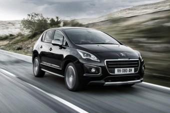 Frissülnek a Peugeot utazóautói