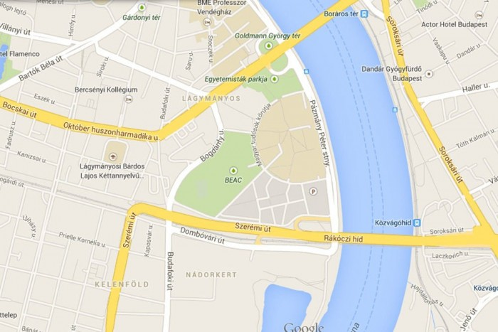 A Rákóczi híd tövében és az összes oda vezető útvonalon rémes dugó van. Hartásra átér a pesti oldalra, a Hungária és a Könyves Kálmán körút nagy szakasza állt ott jártunkkor Buda felé. Az Árpád híd felé vezető irányban viszont jól lehetett haladni