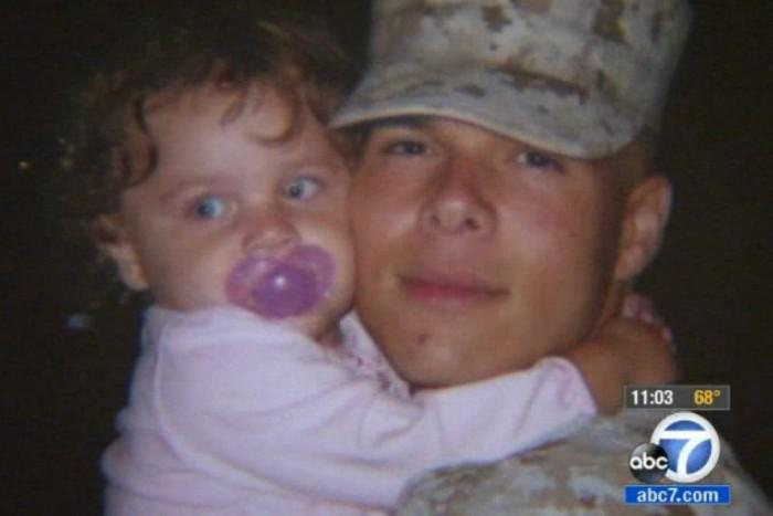 Breann Creer régen, édesapja karjaiban. A kislány és édesanyja egy éve élt együtt Hendersonnal