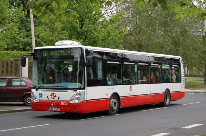 Ilyen egy eredeti, a cseh fővárosban közlekedő szóló kivitelű Irisbus Citelis