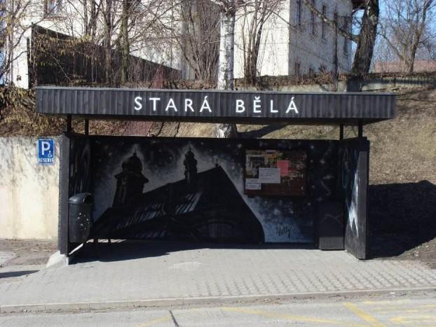 Ostravától nem mesze hatósági engedéllyel lett feldíszítve egy buszmegálló