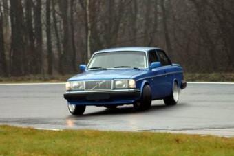 Volvo 240 Turbo keresztbe és a többiek