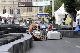 Félszáz alternatív jármű versenyzett a Lánchídnál