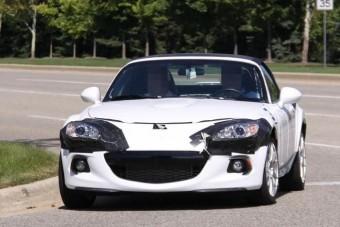 Már gurul a közös Mazda-Alfa roadster