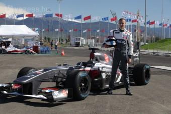 F1: Barrichello már idén visszatér?