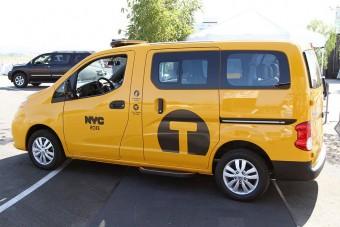 Kötelező Nissan-nal taxizni?