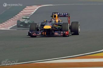 F1: Vettel vezet, nagy bajban a Williams