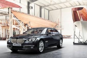 Ezüstözött BMW, nem a gagyi fajtából