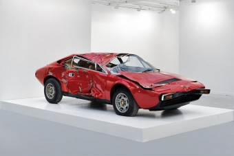 53 millióért vett összetört Ferrarit