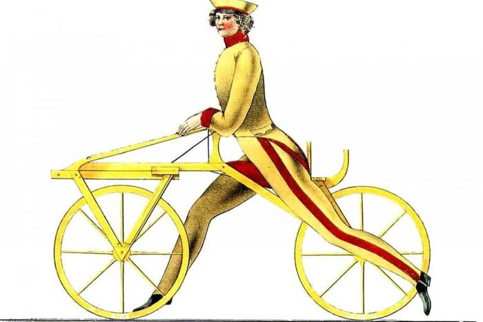A legöregebb. Ez ugye valószínűleg nem a legelső kerékpár, de erről legalább van valami kép is. Az emberiség valamikor az 1820-as években érezte úgy, hogy eljött az ideje a bicikli feltalálásának. Szerencsére itt nem állt meg a fejlődés.