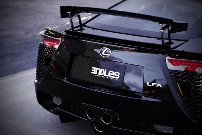 Bónusz: Lexus LFA De Alwis: Artisan Spirits szénszálas karosszériaelemek, 20 colos Work Gnosis HS202 keréktárcsák