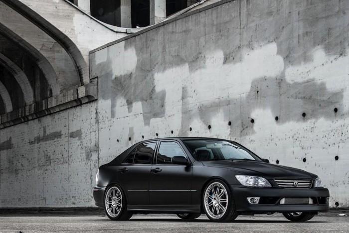 Maricar Cortez előző generációs, kompresszoros Lexus IS 300-asa 2004-ből. A Lexus büszke arra, mit hoznak ki ügyfelei az autóból.