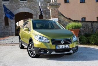 Tarol az új Suzuki SX4 a piacon