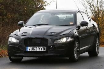 Már tesztelik a Jaguar XF utódját