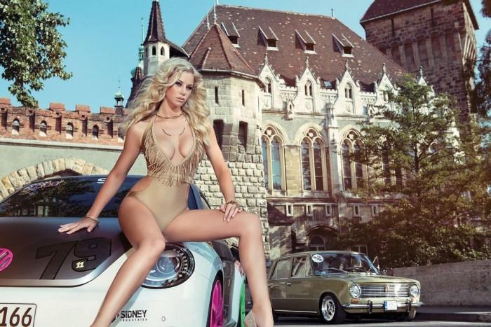 2014. szeptember: Vajdahunyad vár, Volkswagen Beetle, Lada 2101