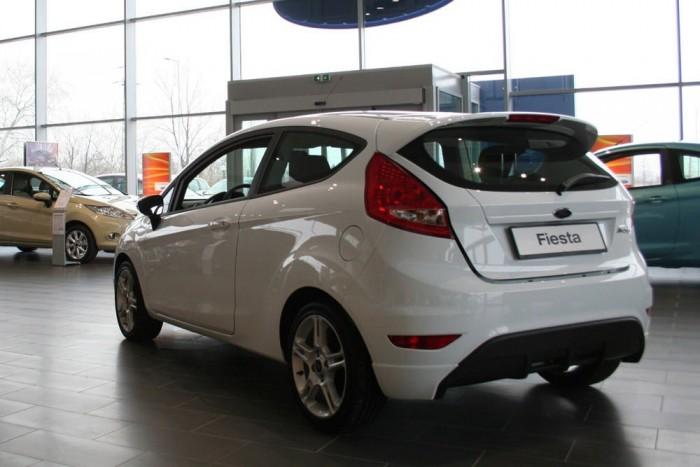 8. Ford Fiesta, 926 db. A Fordok 87 százalékát vállatok nevére regisztrálják az okmányirodák. Amikor egy cég a Fordtól veszi meg a teljes flottát, a Mondeók és Transitok farvízén elkel jó pár Fiesta is