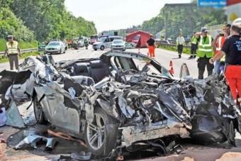 Drága és halálos balesetek a múlt hétről