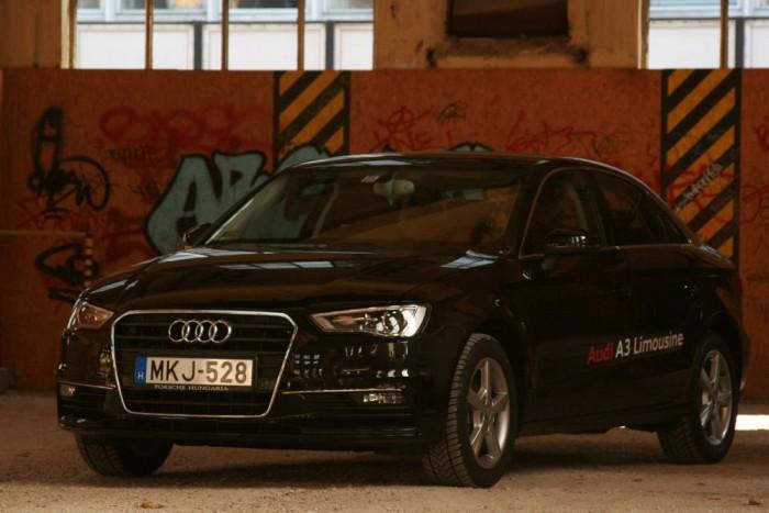 Németországban sima utazótempó a 160-180, pedig az A3 nem nagy autó. 160-nál hetedikben alig megy 3000 fölé a fordulatszám