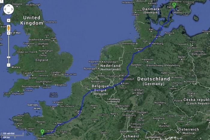 A Google Maps 1603 km-re, illetve 15 óra 35 percre írja az A1-as autópályán lezavarható utazást.