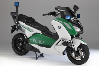 Elektromos rendőrrobogó a BMW-től