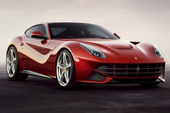 Nem vicc: 25 ezer forintot fizetnek a Ferrarikért!