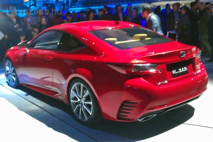 Komoly konkurensek közé érkezik a Lexus kupéja