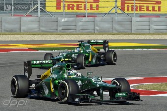 F1: Káoszfutamon mentene a sereghajtó