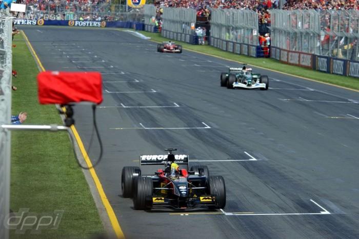 2002 - Bemutatkozás a Minardinál, Webber rögtön az első, egyben hazai futamán, az Ausztrál Nagydíjon pontot szerzett a sereghajtónak