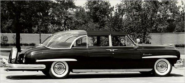 """1950-ben Truman elnök használt két 1950-es Lincoln Cosmopolitant. Később Eisenhower tanácsára az egyiket üvegtetővel látták el és """"Bubble Top""""-ra keresztelték. Ezt használta John F. Kennedy (1961-63) is, és egy alkalommal Lyndon B. Johnson (1963-69)."""
