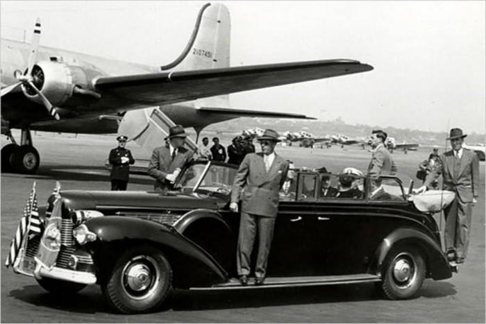 Roosevelt addig használta Al Capone autóját, fel nem szereltek neki egy 1939-es Lincoln V12-est páncélozott ajtókkal, golyóálló gumiabroncsokkal és géppisztolyok részére készült tároló rekeszekkel. A Ford Motor Company az autót az elnöknek évi 500 dollárért (110 000 forint) adta kölcsönbe.