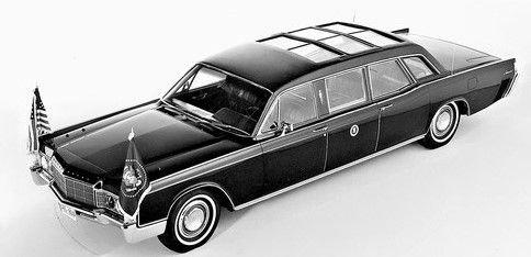 Richard Nixon (1969-74) elnöksége alatt egy szétcsúsztatható üvegetetős Linconlt használt, ami 1977-ig maradt szolgálatban.