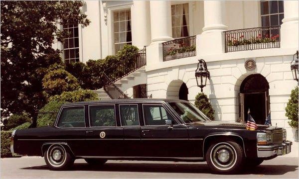 1983-ban Ronald Reagan (1981-89) elnökségének idején az ország első embere a Hess & Eisenhardt által épített Cadillac Fleetwood típusú limuzinnal közlekedett, amelyet 1983 februárjában, Reagan születésnapján állítottak szolgálatba. A 6 centiméter vastag golyóálló üveg, a nagy teljesítményű légkondicionáló rendszer és a kitűnő kilátást biztosító forma kényelmessé és biztonságossá tette az elnök utazásait.
