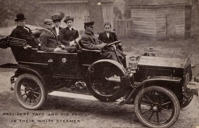 Roosevelt utóda, William Howard Taft (1909-1913) a White Motor Company Steamer M modelljét vásárolta meg hivatali járműnek, és egy garázst is készítettet hozzá a Fehér Házban.