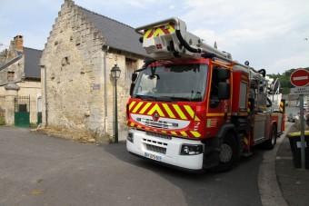 Kitámasztós tűzoltóautó
