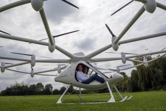 Elképesztő találmány: 18 rotoros helikopter