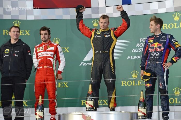Ausztrál Nagydíj - Az eső miatt vasárnapra halasztott időmérő után a lotusos Kimi Räikkönen nyerte a szezonnyitót. A Red Bull nem tűnt egészen versenyképesnek, a Ferrari viszont jónak látszott