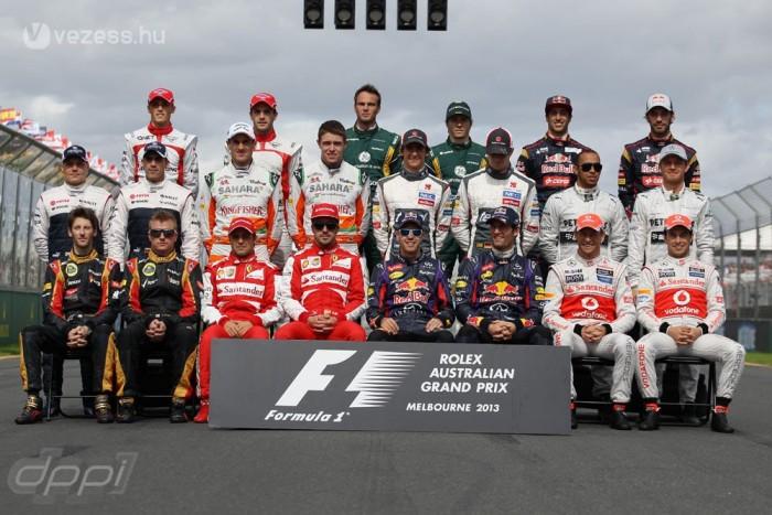 A 2013-as évfolyam - Lewis Hamilton a Mercedeshez igazolt a McLarentől, a helyére Sergio Perez került. A mezőnyben öt újonc mutatkozott be: Esteban Gutierrez (Sauber), Valtteri Bottas (Williams), Giedo van der Garde (Caterham), valamint Jules Bianchi és Max Chilton (mindketten Marussia)
