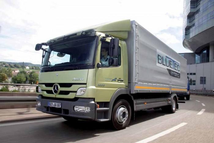 Kis- és közepes méretű teherautóknak szánt, négy évszakos teherabronccsal lép a piacra a Michelin, az X Multi D-vel. Jobb, takarékosabb és csendesebb az elődjénél.