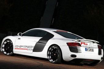 Vadállat Audi több, mint 700 lóval