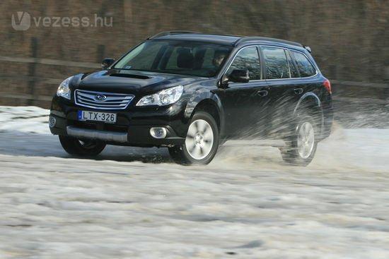 Subaru Outback 2010 - 2,0 literes boxer dízel, 150 lóerő, és 6,4 literes fogyasztás.