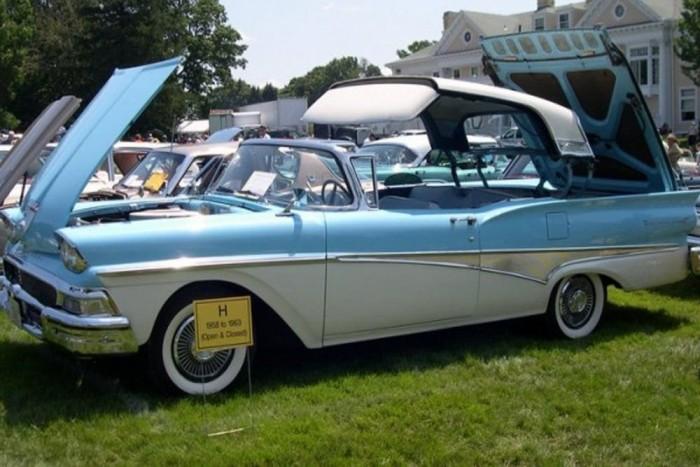 Lehajtható keménytető - Az 1957-es Ford Fairlane 500 volt az első autó, amiben elektromosan be lehetett hajtogatni a tető a csomagtartóba.