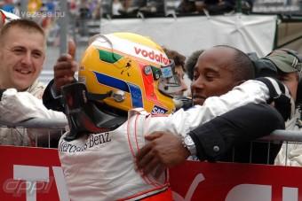 F1: Hamilton egy fillért sem adott az apjának