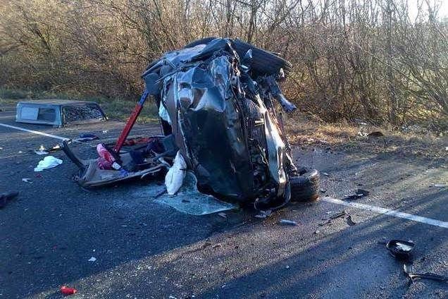 A harmadik autó utasa remélhetőleg túléli a balesetet.