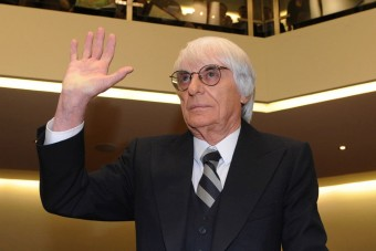 Bíróságra megy, pályát vesz az F1 ura
